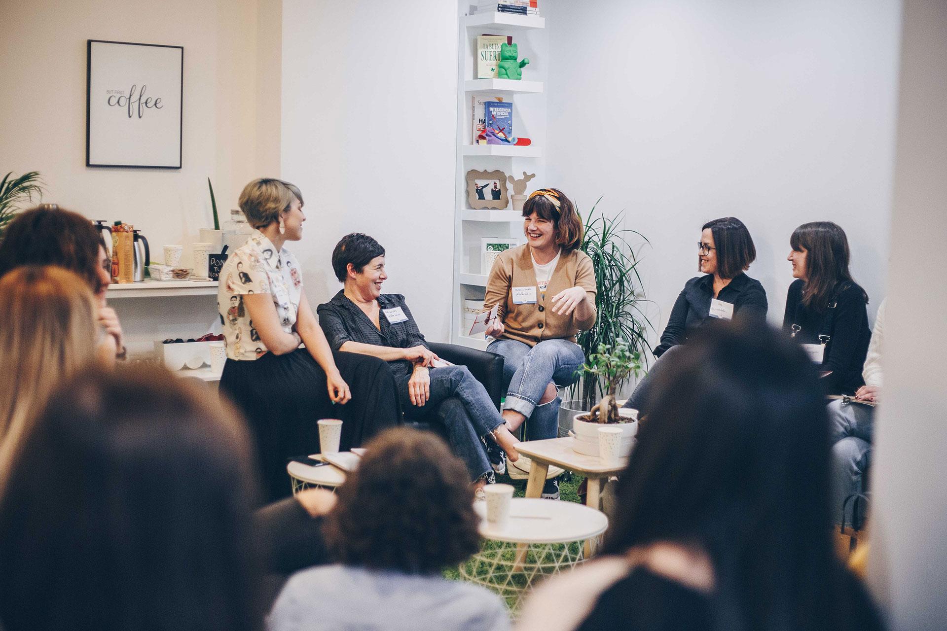 """Emprendedoras en el evento """"Café a bordo"""" organizado por Mulleres Atlánticas"""