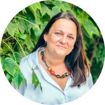Equipo Ivory Soluciones para tu chatbot - Esther Moraleda